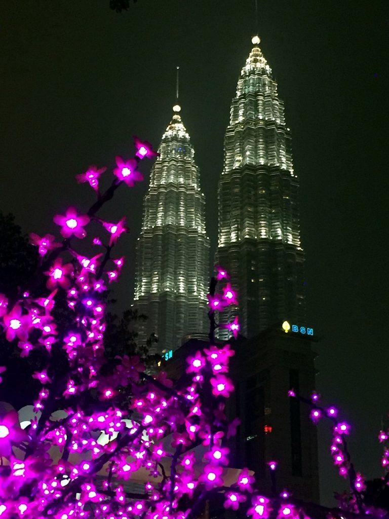 Petronas Tower bare et av mange landemerker i Kuala Lumpur