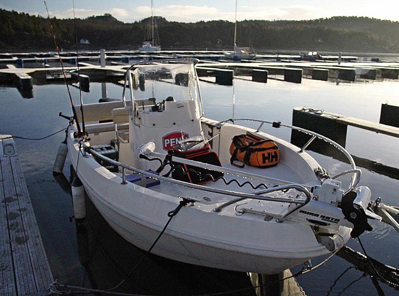 båten ligger ute så lenge det er isfritt