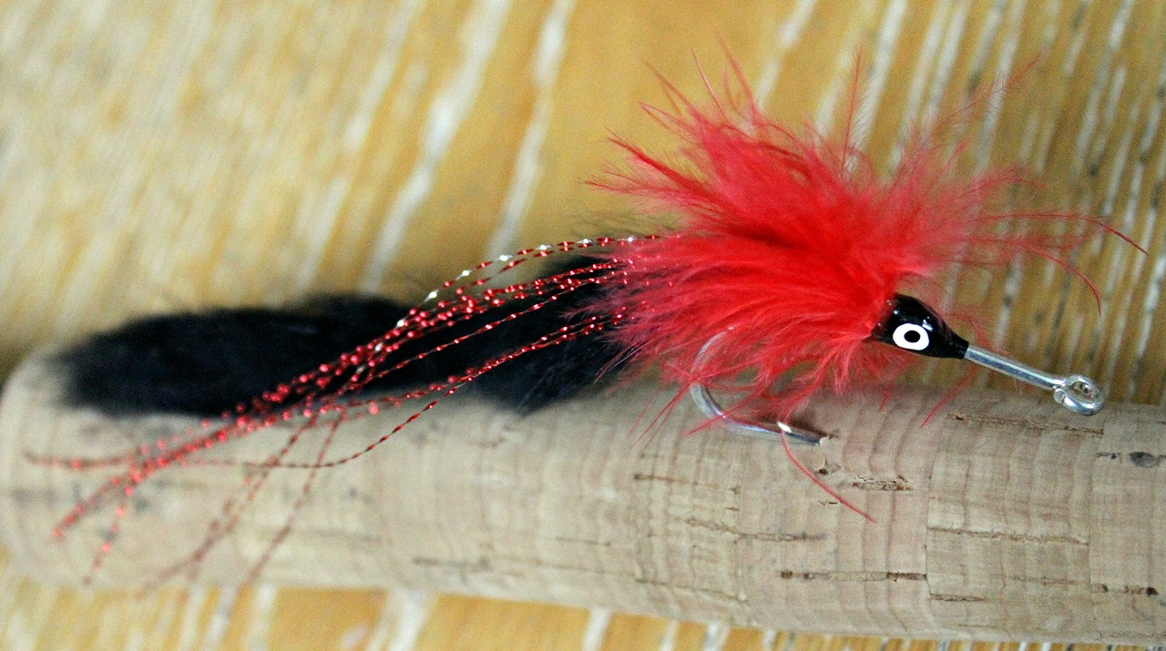 store fargerike fluer med stor bevegelser fungerer bra på tarponen