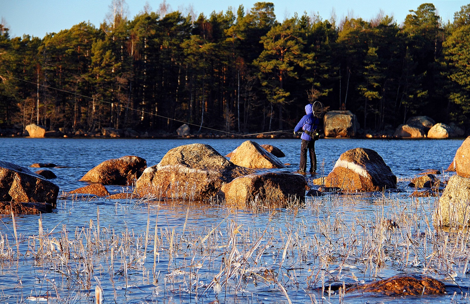 flere lokale sportsfiskere var også ute