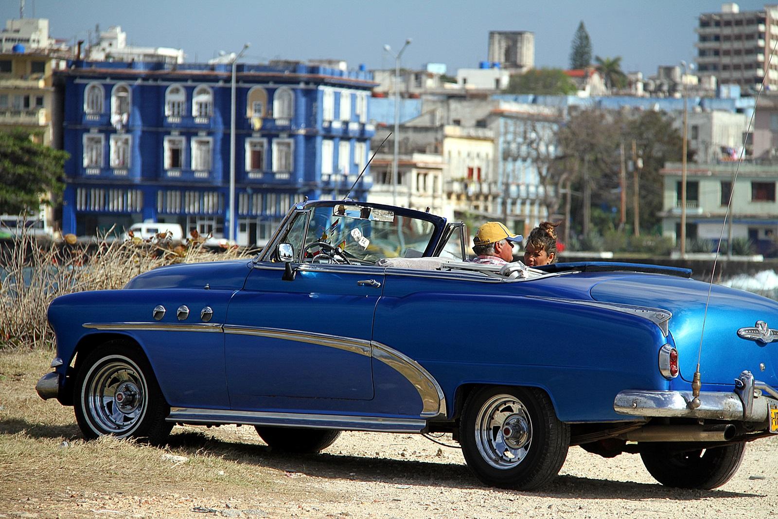 det blir både ferie med familen og fiske på Cuba denne gangen
