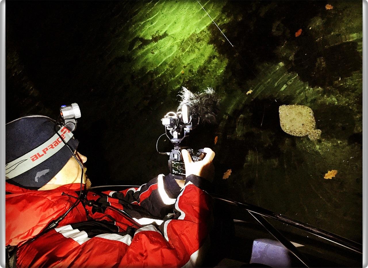 Når vi er ute om natten på lovlig sportsfiske finner vi mange ulovlig satte garn