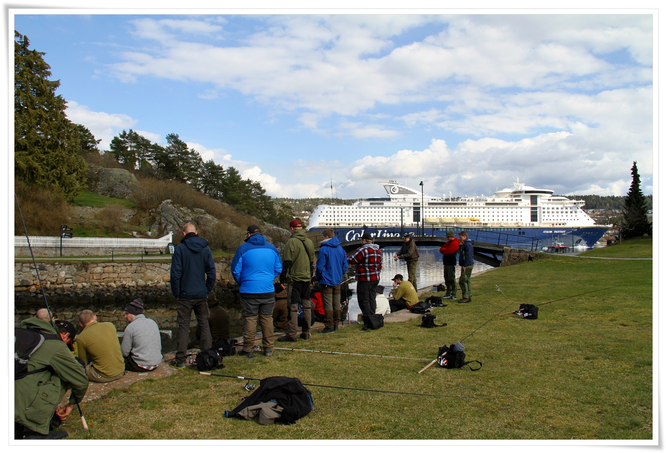 Oscarsborg ligger midt i smørøye, med hotell, god mat og godt og variert fiske