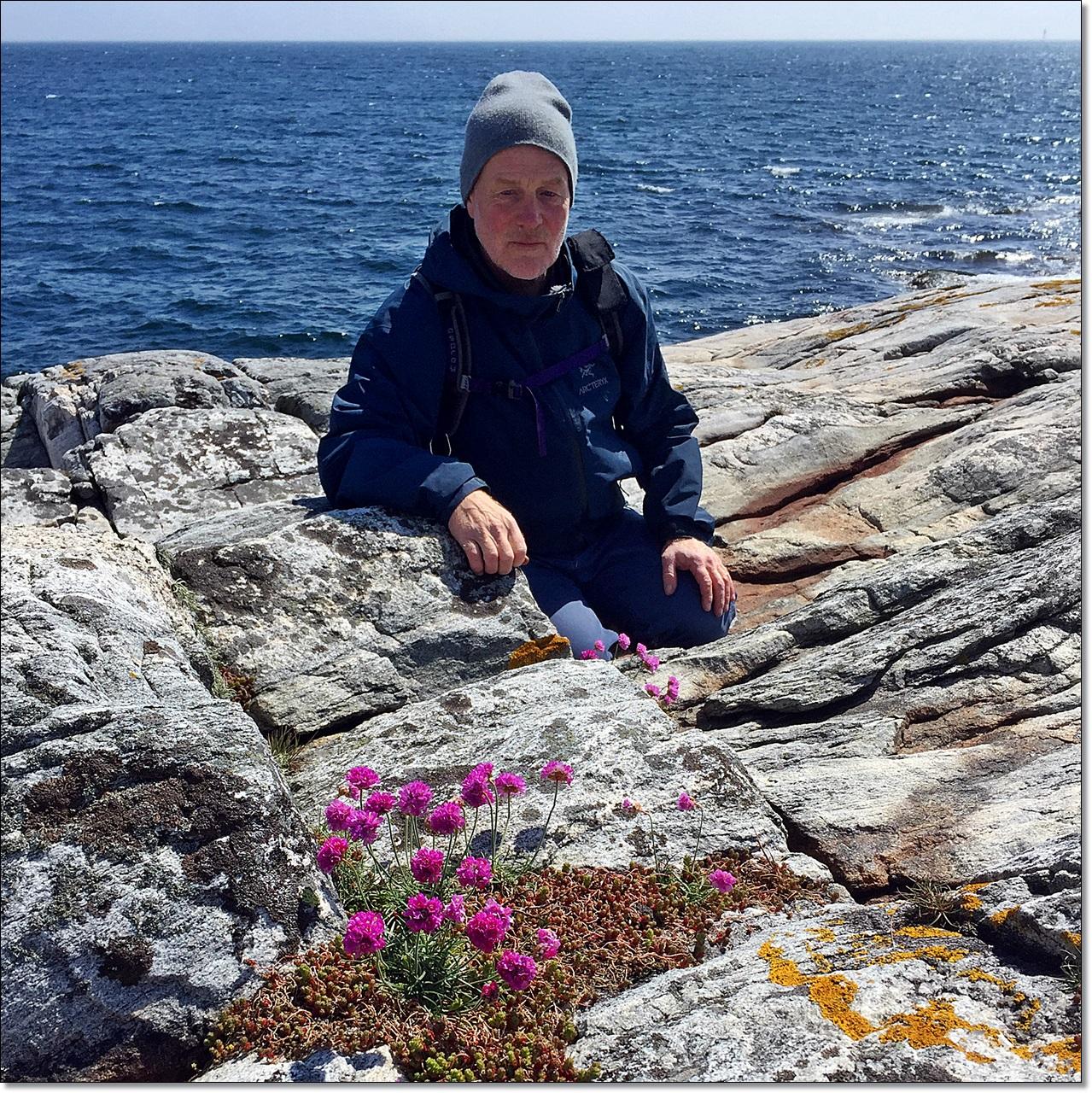 Rune Gokstad (kjent fra jule og påskenøtter, samt mange reiserprogrammer) er programleder
