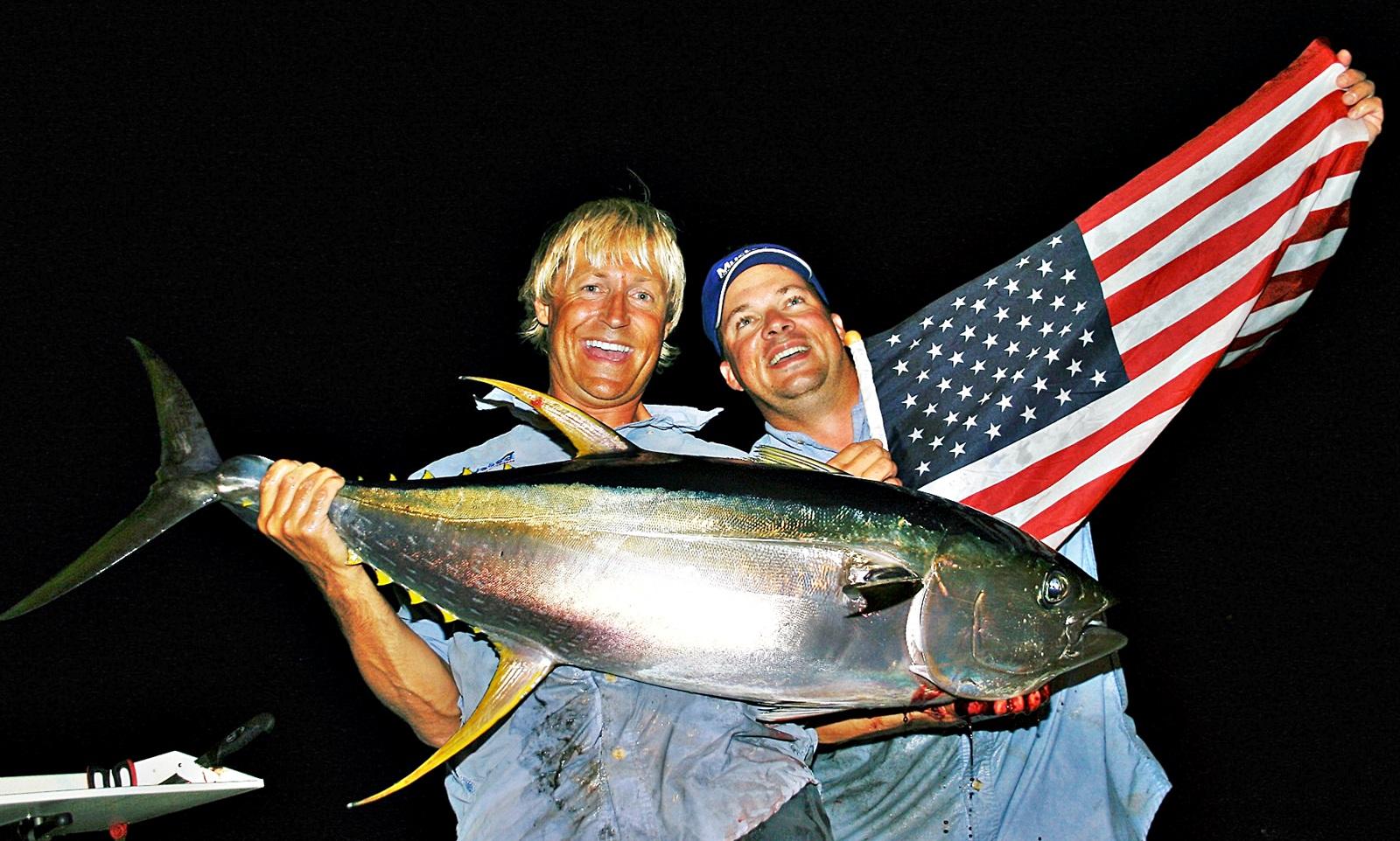 undertegnede og Jeff Pierce med en helt grei yellowfin tatt på haspel og popper