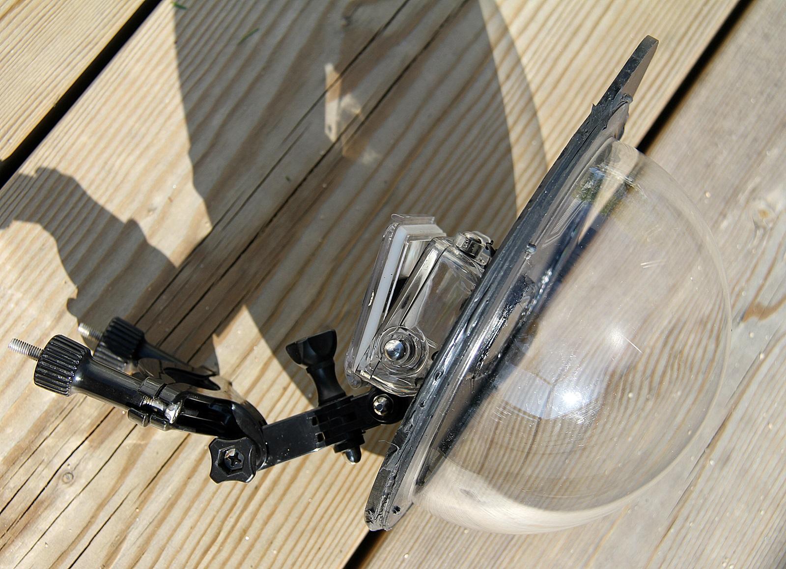 En såkalt dome med vanntett deksel til gopro kamera