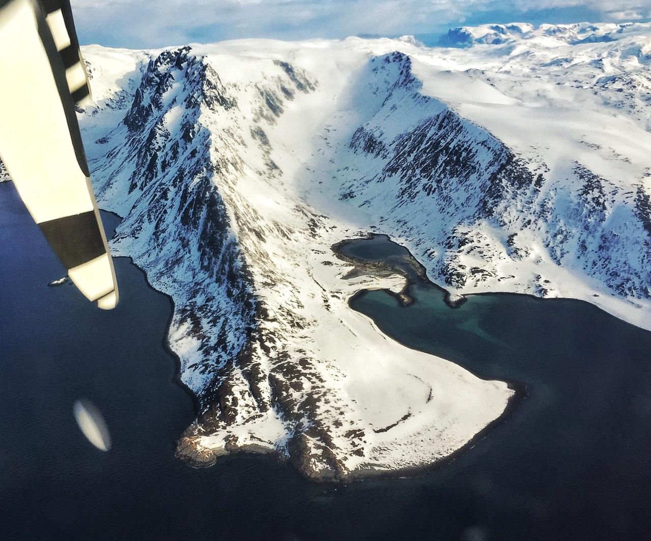 Widerøe tar deg den siste etappen ut til den vakre øya