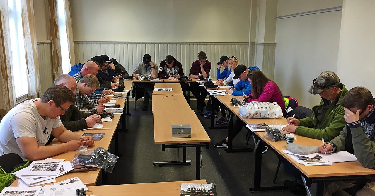 En liten eksamen + artsfiske = beste deltager får en Ambassadeur Gullsnelle