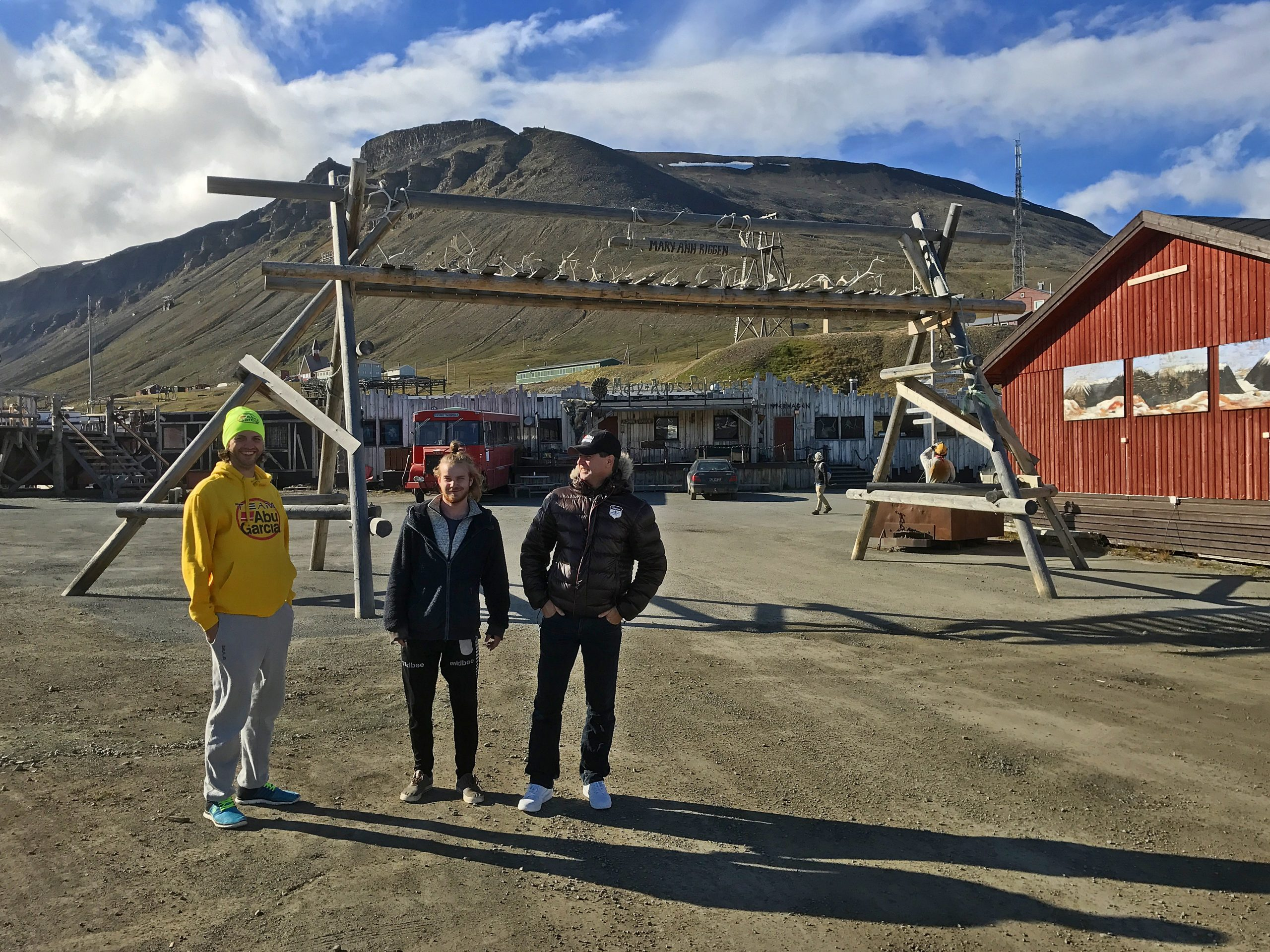 Mary-Anns Polarrigg ligger fint til i Longyearbyen