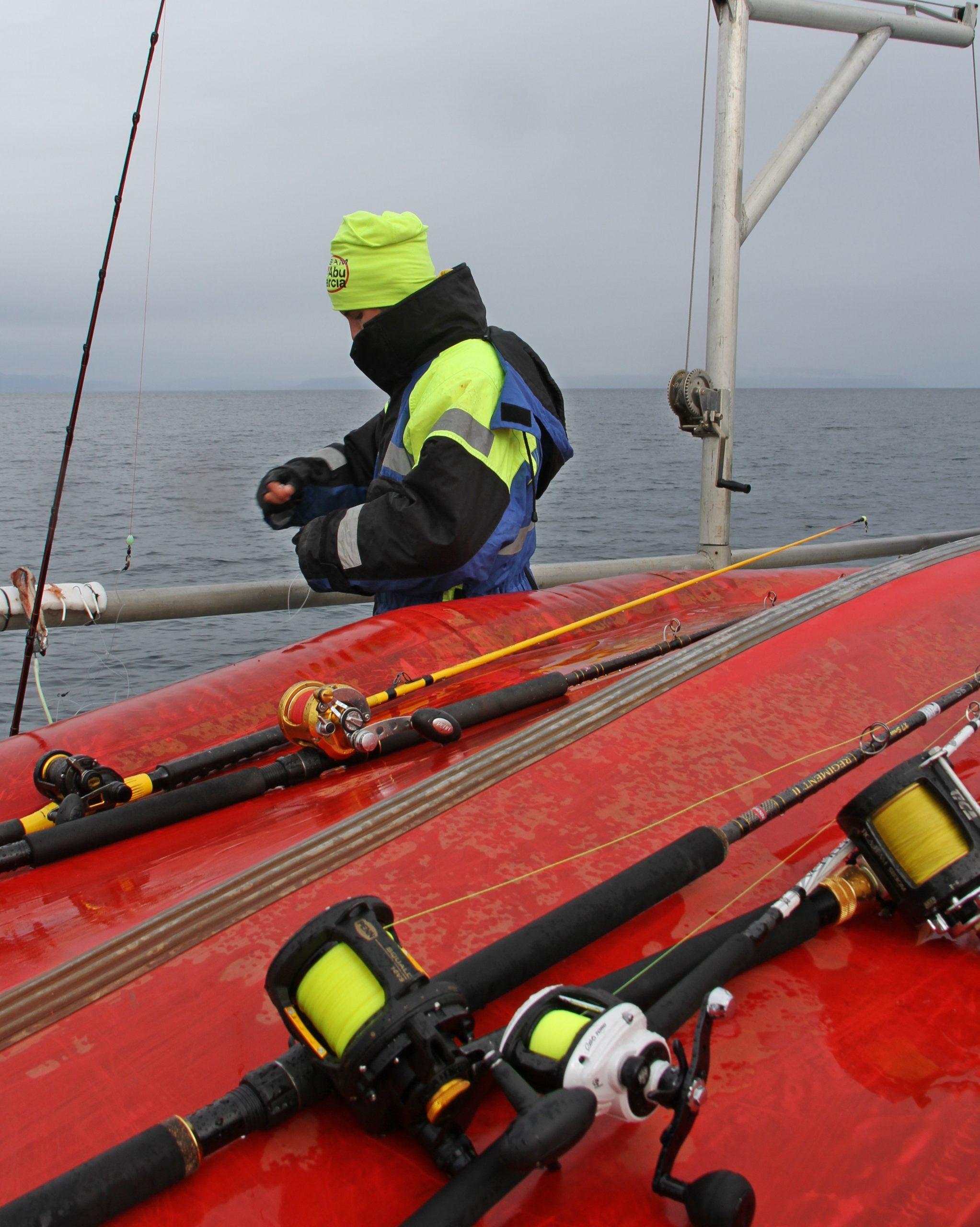 vi brukte forskjellig utstyr avhengig av dyp og fiskeart vi var ute etter