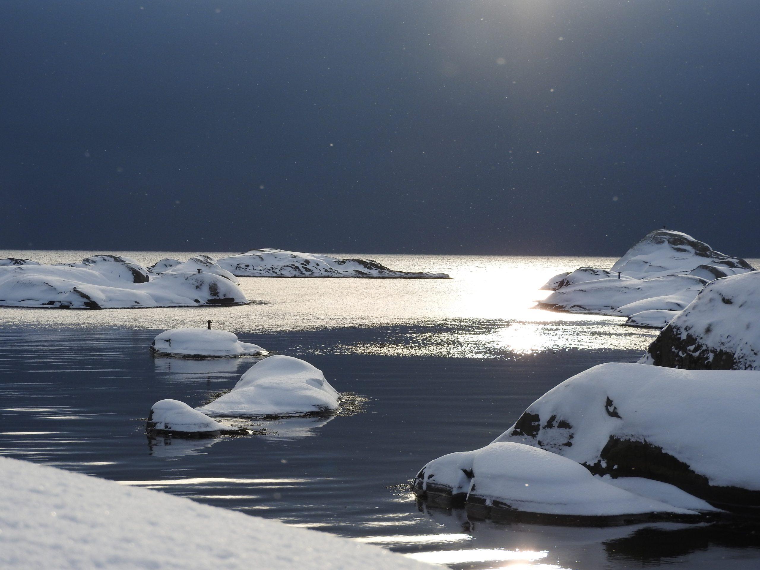 Nydelige vinterforhold gir magiske øyeblikk når du har kysten for deg selv