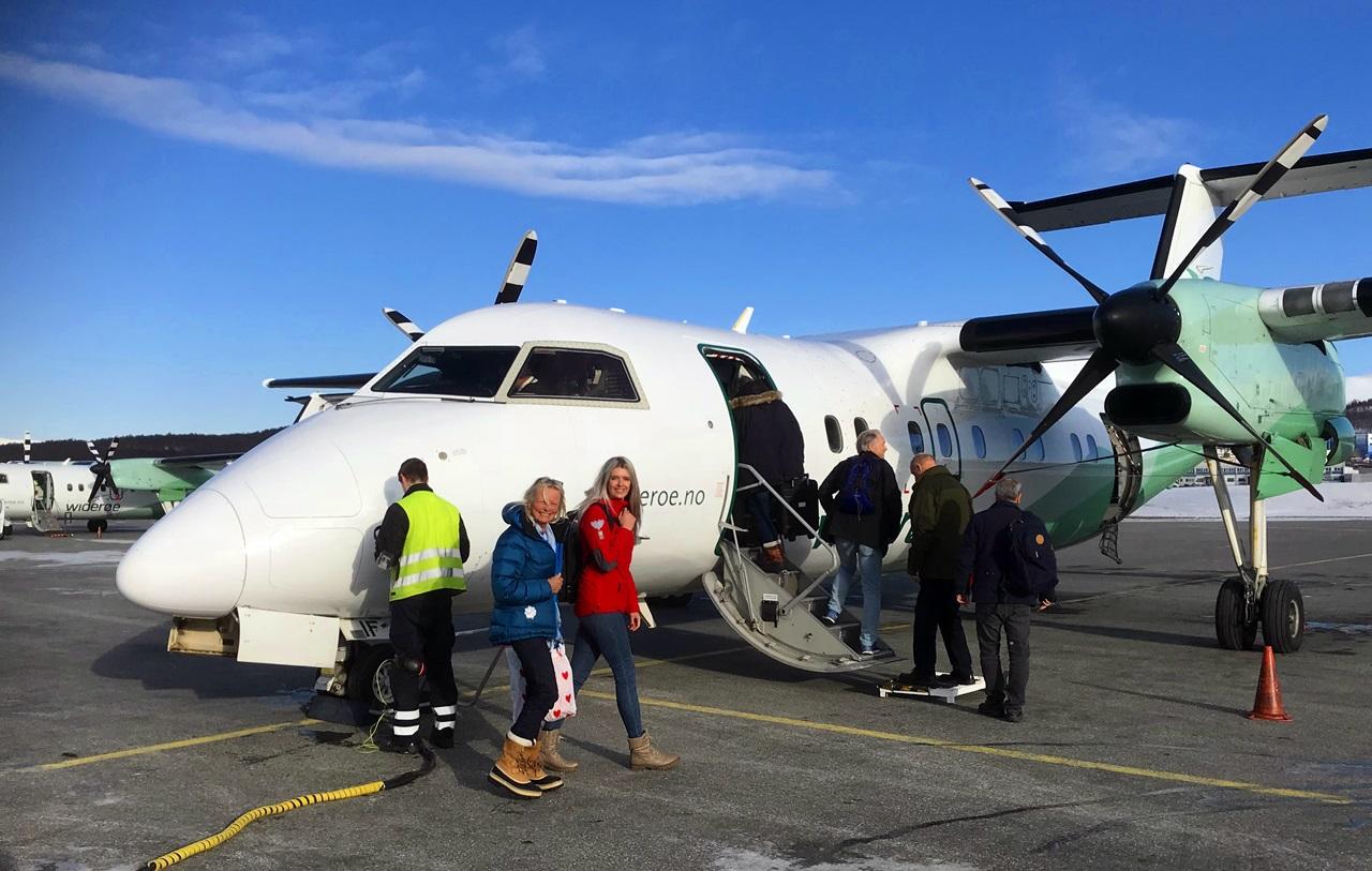 Som vanlig tar Widerøe oss med på den siste etappen ut til Sørøya